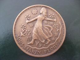 M�daille par Fia �d Sous marin Flore derni�re navigation 1989.70 mm Bronze. 160g. Rare!!!!!!!!!