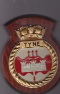 HMS TYNE River-class Offshore Patrol Vessel OPV -  Navy Marine - Tape de bouche sur bois - 20 cm x 16 cm