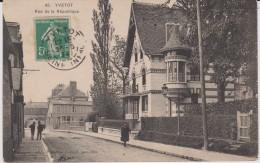 Seine  Maritime :  YVETOT : Rue De La   République - Yvetot