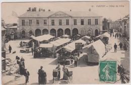 Seine  Maritime :  YVETOT : Hotel De  Ville  Et  Marché - Yvetot