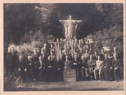 SINT-TRUIDEN-VAKSCHOOL-19 47-LAUREATEN EN LERAARS-PRIESTERS-EINDEXA MEN-AAN HET HEILIG HART-GROTE FOTO-( 18 -24 CM )-MOO - Sint-Truiden