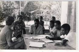 RPP  PAPUA NEW GUINEA Papua Neuguinea  Fam. Natschläger  At Board Meeting For NARAMBAIAU STORE - PASSA - Fotografie