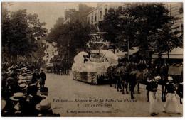 """Cpa """" RENNES - Souvenir De La Fête Des Fleurs - Char Du POLE NORD """" 1910 - TRES RARE ! TBE -  Ed. Mary-Rousselière - Rennes"""