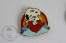 Snoopy In Love - Ranbow & Hearts - Pin Badge #PLS - Pin's & Anstecknadeln