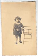 23993 Carte Photo Enfant Chaise - - Portraits