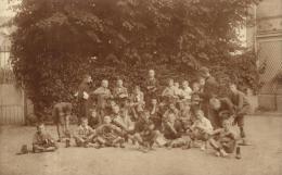 81619 - Carte Photo    Classe  Religieuse de Jeunes Garcons cirant leurs chaussures