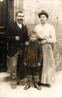 81623 - Carte Photo    Famille  et leur petit Gar�on