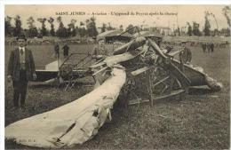 Saint Junien : Aviation l'appareil de Peyret apr�s la chute, gros plan, animation