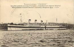 Themes Div-ref H702- Transports -bateaux -transatlantique France - Courrier Francais Actuellement Navire Hopital - - Ships