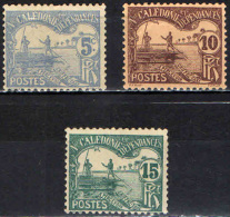 NUOVA CALEDONIA - 1906 - UOMINI SU IMBARCAZIONE TIPICA - SEGNATASSE - Strafport