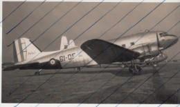 Foto photo Flugzeug Armee de l�Air Douglas Dakota 61-OF Blackbushe 07.09.1955 avion aeroplane aircraft