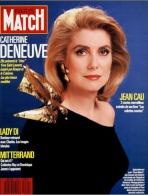 PARIS MATCH N° 2020 - Le Choc Yves Saint-Laurent Avec Catherine Deneuve - 12 Février 1988 - General Issues