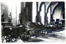 MUSEE Des Automobiles CALECHES FIACRES Château De COMPIEGNE OISE - Taxi & Carrozzelle