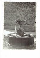 83 - LA MOTTE - Var - La Fontaine - 1967 Caujolle Photographe - Pancarte VAR NICE MATIN - France