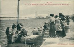 11 PORT LA NOUVELLE / Départ D'une Barque De Promenade Dans Le Port / - Port La Nouvelle