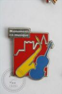 Monuments En Musique - Pin Badge #PLS - Música