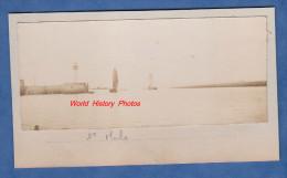 Photo ancienne - SAINT MALO - Entr�e du Port - Bateau - Phare - d�but 1900