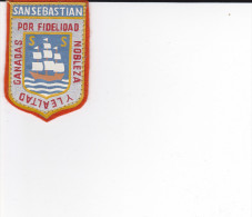 ECUSSON TISSU BRODE SAN SEBASTIAN PAYS BASQUE ESPAGNOL DEVISE  ARMES BLASON HERALDIQUE - Blazoenen (textiel)