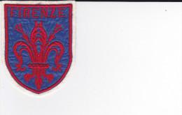 ECUSSON TISSU BRODE FIRENZE ITALIE FLORENCE  ARMES BLASON HERALDIQUE - Blazoenen (textiel)
