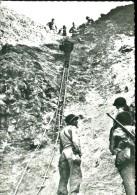 14 - Grandcamp Les Bains : Echelles De Perroquet Et Corde Lisse Montant Au P.C. Du Colonel Rudder - France