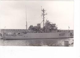 bateau batiment militaire M 622 autun a antibes 23-8-1965 sign�e ghiglione