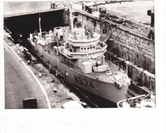Bateau Batiment Militaire Dragueur M 624 Colmar  En Cale - Barche