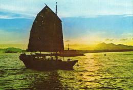 HONG KONG Cpsm Bateau Retour De Peche - Chine (Hong Kong)