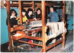 Children Learning Weaving  - Greece - (Jonge Meisjes Leren Het Weven In Een Weeshuis In Griekenland) - School