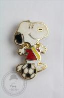 Snoopy Football Player - Pin Badge #PLS - Fútbol