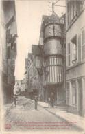 CPA Troyes La Rue Champeaux (animée) M427 - Troyes