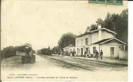 CPA LESPARRE, La Gare Arrivée Du Train De Soulac 10976 - France