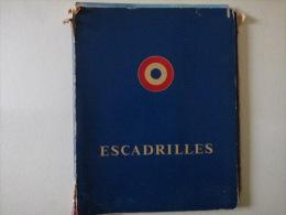 livre escadrille  avec livre reconnaissance /  Bombardement / chasse insignes detaill�e  u