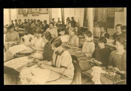 Poperinghe  Poperinge : Institut des B�n�dictines - Ecole dentelli�re  Kantwerkschool