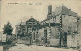 44 BOUGUENAIS / L'Eglise Et La Poste / - Bouguenais