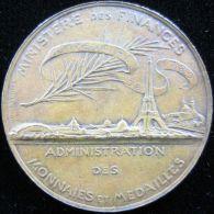 M01800 MINISTERE DES FINANCES ADMINISTRATION DES MONNAIES ET MEDAILLES - REPUBLIQUE FRANçAISE - 1789 (59.6g) - Profesionales / De Sociedad