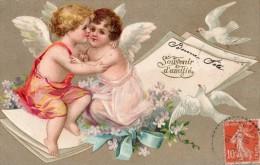 """ANGES ANGELOTS SE SERRANT DANS LES BRAS """"SOUVENIR D'AMITIE"""" BLANCHES COLOMBES CARTE GAUFFRE 1910 - Angels"""