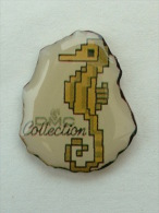 PIN´S  DMC COLLECTION HYPPOCAMPE - COUTURE - Pin's