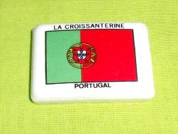 """feves:pays/r�gions """" Portugal, la croissanterine """"  tiroir 11  petit �clat � l'angle, voir scan"""