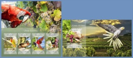 st14405ab S.Tome Principe 2014 Grapes & birds Parrot 2 s/s