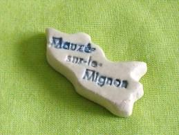 """feves:pays/r�gions """" Puzzle, Mauz�-sur-le-Mignon """"  tiroir 8"""
