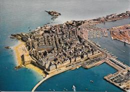SAINT MALO - Vue Générale Sur La Cité Entourrée D'eau - Vue Aérienne - Saint Malo