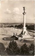 33. CPSM. Gironde, Bordeaux, Le Monument Des Girondins - Bordeaux