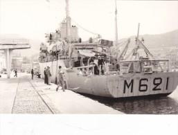 bateau batiment militaire dragueur oceanique origny a quai M 621