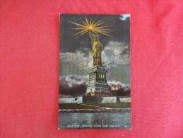 New York> New York City-- Night View   Statue Of Liberty   - Ref 1568 - Unclassified