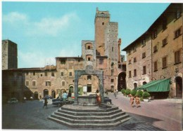 Piazza della Cisterna - square - Citta di S. Gimignano - Siena - Toscana - 17647 - Italia - Italy - unused
