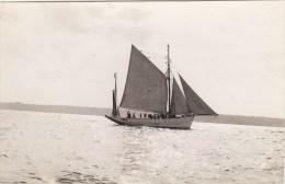 """PHOTO 13.8/9.CM : VOILIER ECOLE  """" LE MUTIN """" EN 1927. B.ETAT. CLICHE E.C.P.A."""