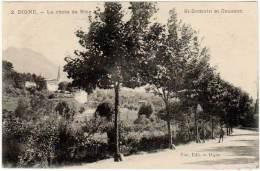 Digne - La Route De Nice - St-Domnin Et Cousson ( éditeur Vial ) (asi-12924) - Digne