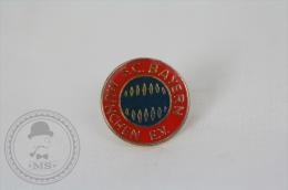 F.C. Bayern München E.V. Football Team - Pin Badge - Fútbol