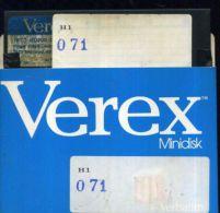 X 71 COMMODORE 64 FLOPPY CONTENUTO PREVALENTE GAMES ADATTO PER UTENTI ESPERTI - 5.25 Disks