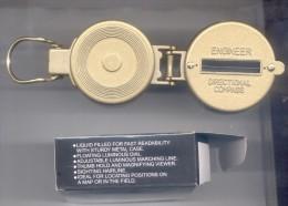 METAL CASE LIQUID FILLER LENSATIC COMPASS - YOUR DIRECTION PROTECTOR - NEW - ORIGINAL INSTRUMENT FLOATING LUMINOUS DIAL - Technical
